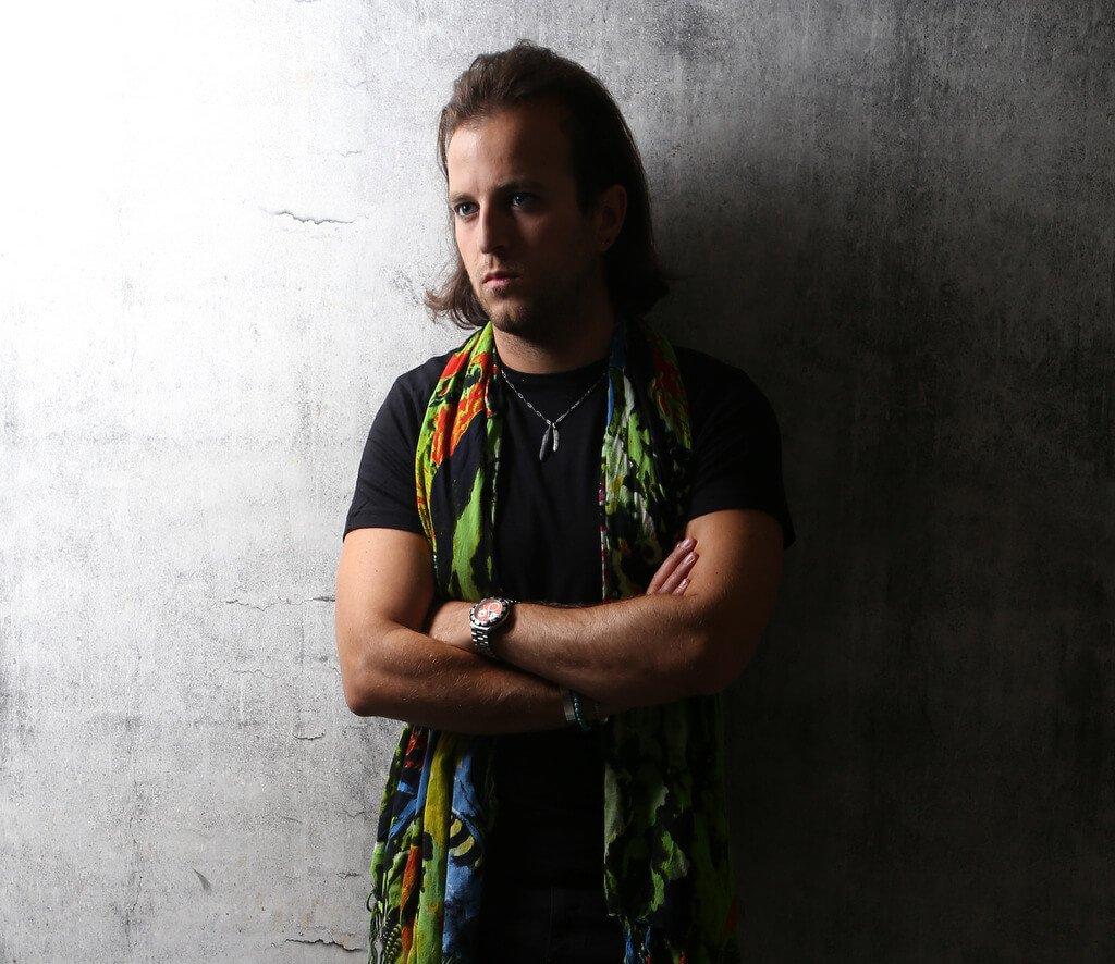 PLatinum DJs works with Club DJ Hugo on a regular basis.