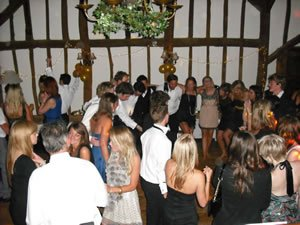 Up to date with all Dance and Pop tracks, DJ Michael Davis, perfect for your 18th Birthday Party in the London area