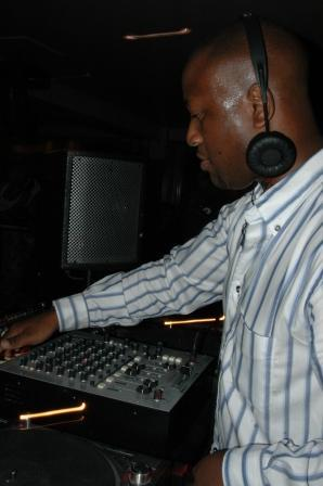 Wedding and Christmas Party DJ and Disco Hire - Akin Oyefeso