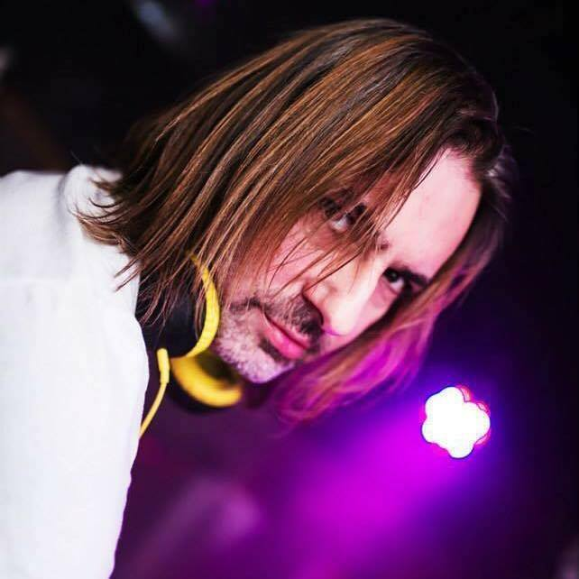 Club DJ Mr Root performs for Platinum DJs in London and Worldwide