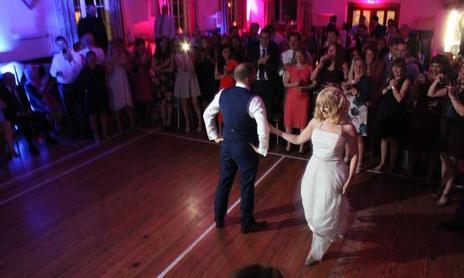 DJ Hire Kent provides the best Wedding DJs since 1997.