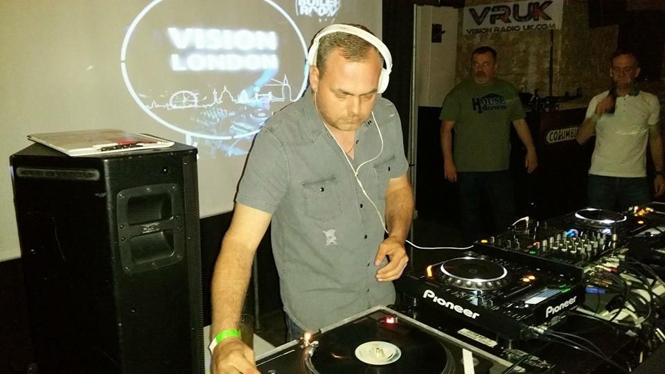 Dj Rob Dj Hire Amp Disco Hire Platinum Djs Amp Discos Ltd